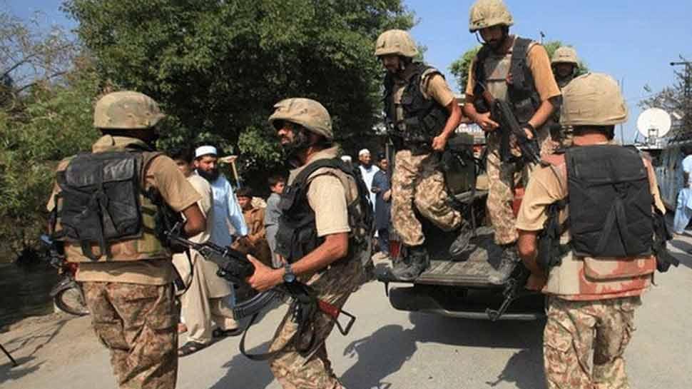 भारत के डर से पाकिस्तान ने PoK में लोगों को बंकरों में रहने के दिए निर्देश, LoC के पास न जाने को कहा
