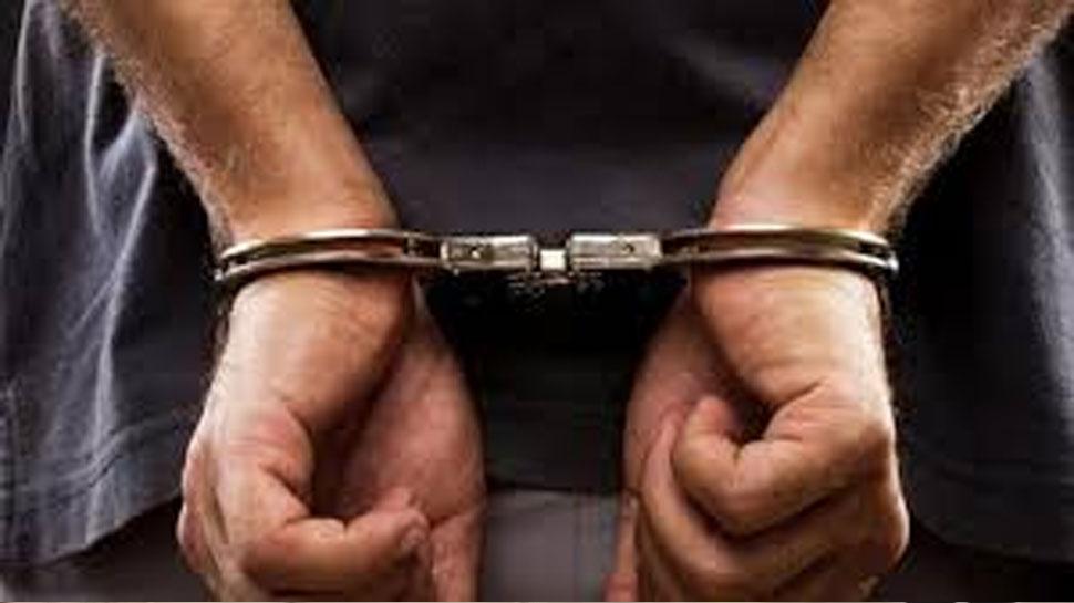 नोएडा: तीन राज्यों में कई वारदातों को अंजाम देना वाला कुख्यात बावरिया डकैत पत्नी सहित गिरफ्तार