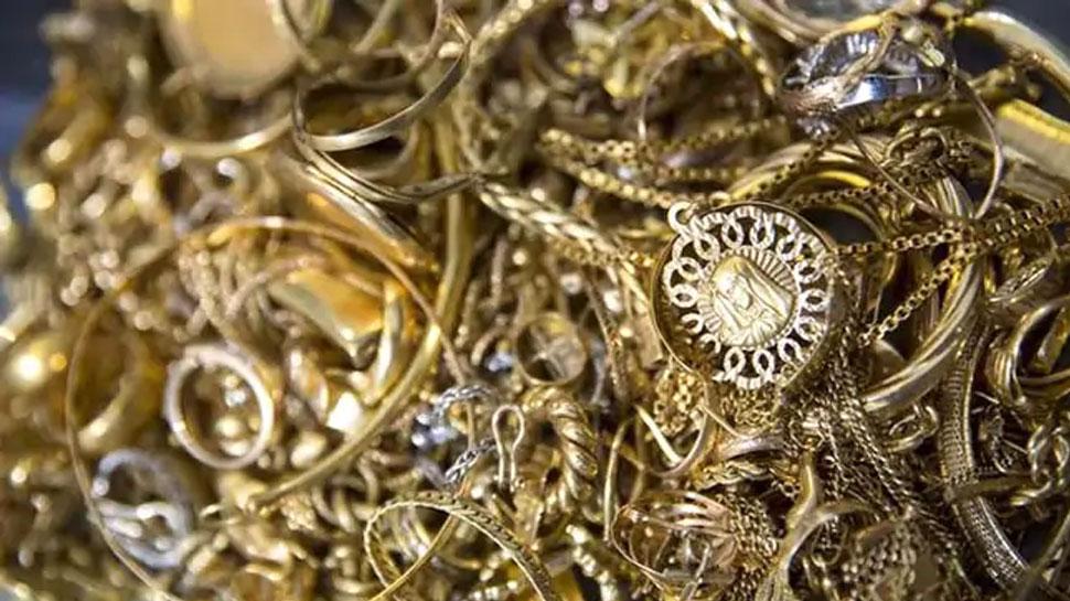 मेरठ: ऑफिस का काम बताकर गोल्ड कंपनी का शटर खुलवाया, लूट लिया करोड़ों का सोना