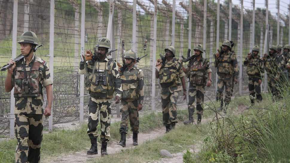 कश्मीर में तैनात हुई BSF और ITBP की 100 कंपनियां, 30 साल बाद बढ़ाई गई व्यापक सुरक्षा