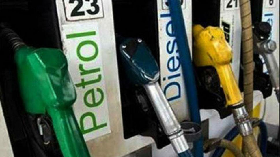 सप्ताह के पहले दिन 25 पैसे तक महंगा हुआ पेट्रोल-डीजल, जानें क्या हैं आज के भाव