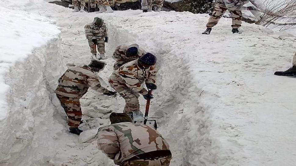 हिमाचल प्रदेश : हिमस्खलन के 5 दिन बाद भी लापता पांच जवानों का नहीं मिला सुराग