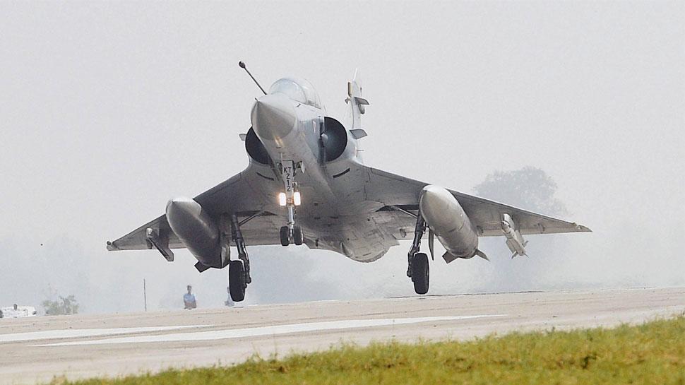 'भारतीय वायुसेना ने PAK में घुसकर बम बरसाए': दुनिया भर के मीडिया की बनी सुर्खियां