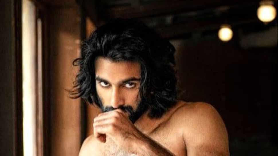 संजय लीला भंसाली की अगली फिल्म से यह हैंडसम हंक करेगा डेब्यू, जानिए कौन हैं मीजान!