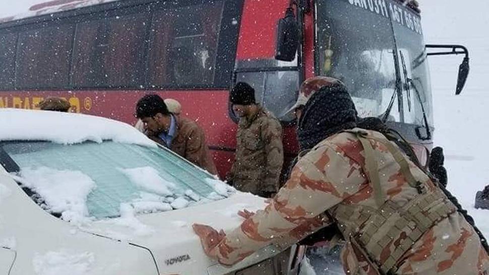 बलूचिस्तान में भारी बर्फबारी, 10 लोगों की मौत, 1500 परिवारों को बाहर निकाला