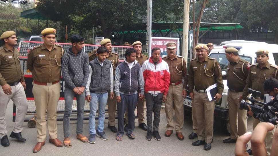 दिल्ली के सरिता विहार में बोरी में बंद मिली लाश के मामले में 4 आरोपी गिरफ्तार