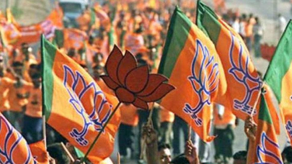 BJP की चुनावी रणनीति में बदलाव, 'राष्ट्रवाद' पर फोकस, प्रचार टैगलाइन होगी- 'मोदी है तो मुमकिन है'