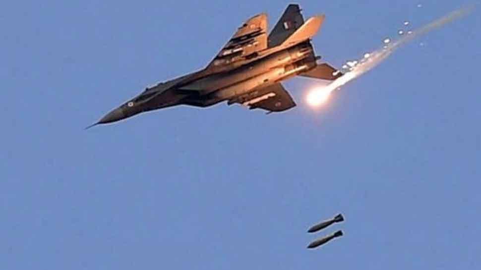 वायुसेना ने हमले की तस्वीरें भारत सरकार को सौंपीं, आतंकी कैंप को हुई काफी क्षति : सूत्र