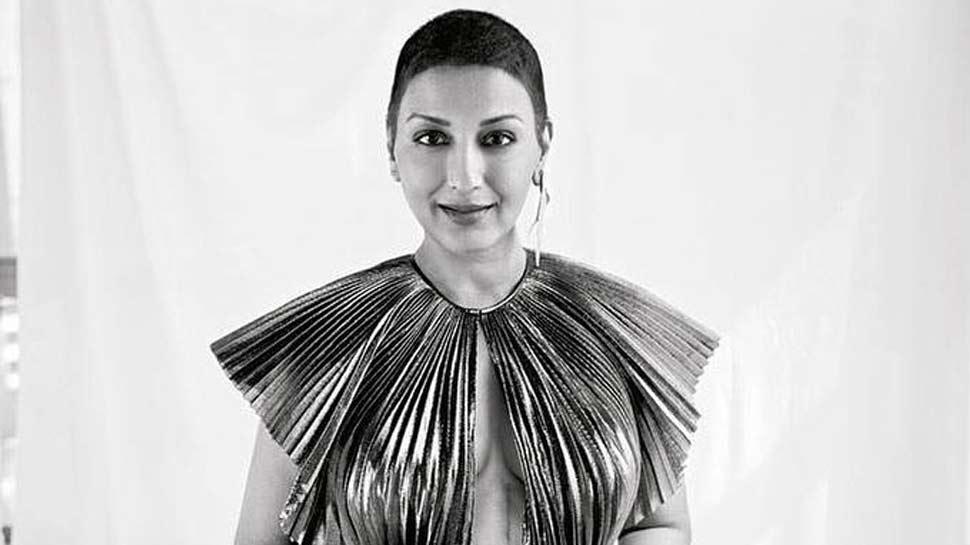 PHOTO: सोनाली बेंद्रे ने जीती कैंसर की जंग, बाल्ड लुक के साथ शेयर किया इमोशनल मैसेज
