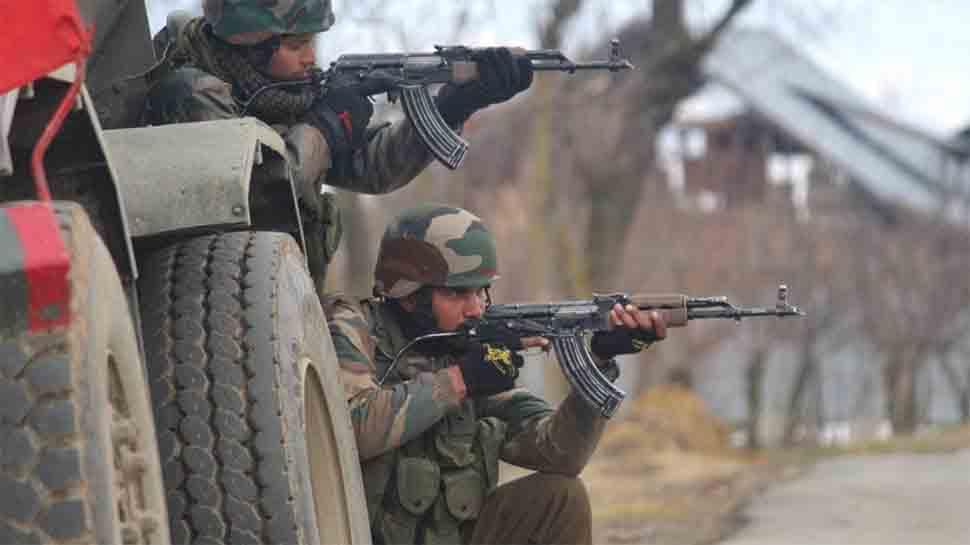 जम्मू-कश्मीर: आतंकियों ने सेना के एक जवान को घर से किया अगवा