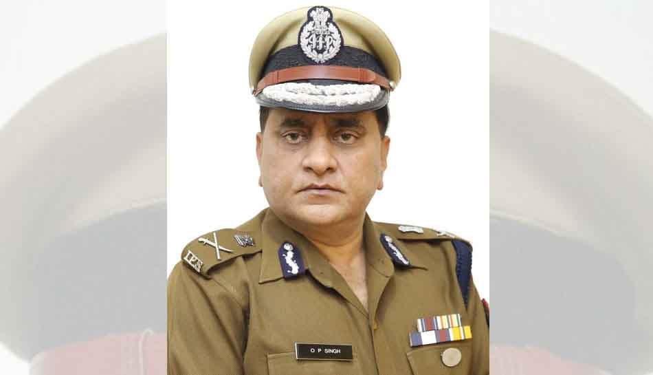 यूपी के DGP का पुलिसकर्मियों को निर्देश, 'प्रत्याशी या दल से न उपहार लें, न प्रचार करें'