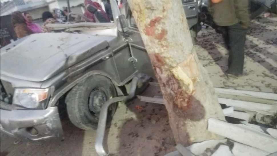 देवरिया: पेड़ से टकराई बरातियों से भरी बोलेरो, दर्दनाक हादसे में 8 की मौत