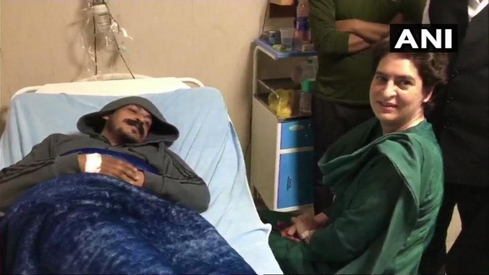 मेरठ: अस्पताल में भीम आर्मी प्रमुख से मिलीं प्रियंका, कहा, 'चंद्रशेखर का संघर्ष पसंद आया'