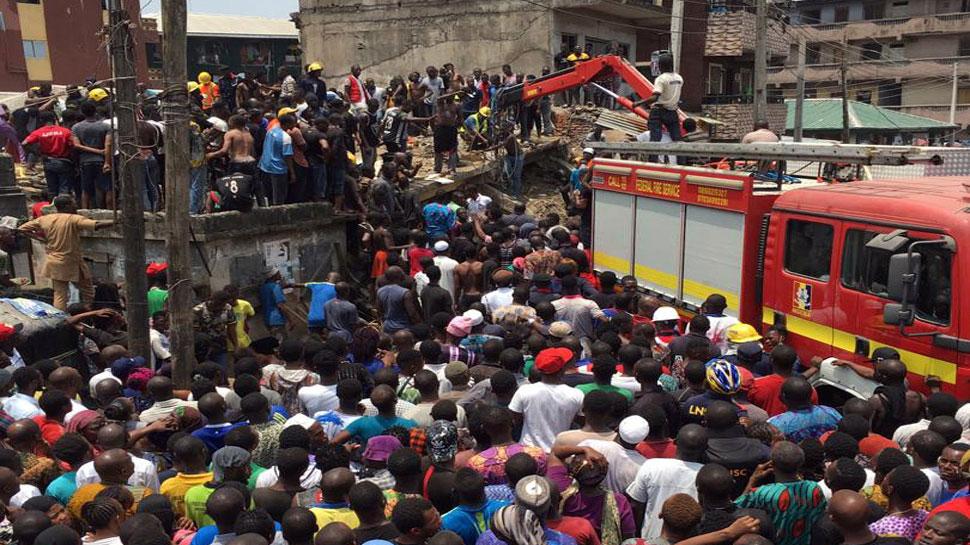 नाइजीरिया में 4 मंजिला इमारत ध्वस्त, नर्सरी के कई बच्चे मलबे में फंसे