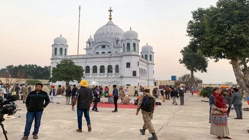 करतारपुर गलियारा: भारत-पाक के बीच बातचीत शुरू, सिख श्रद्धालुओं को मिल सकता है तोहफा!