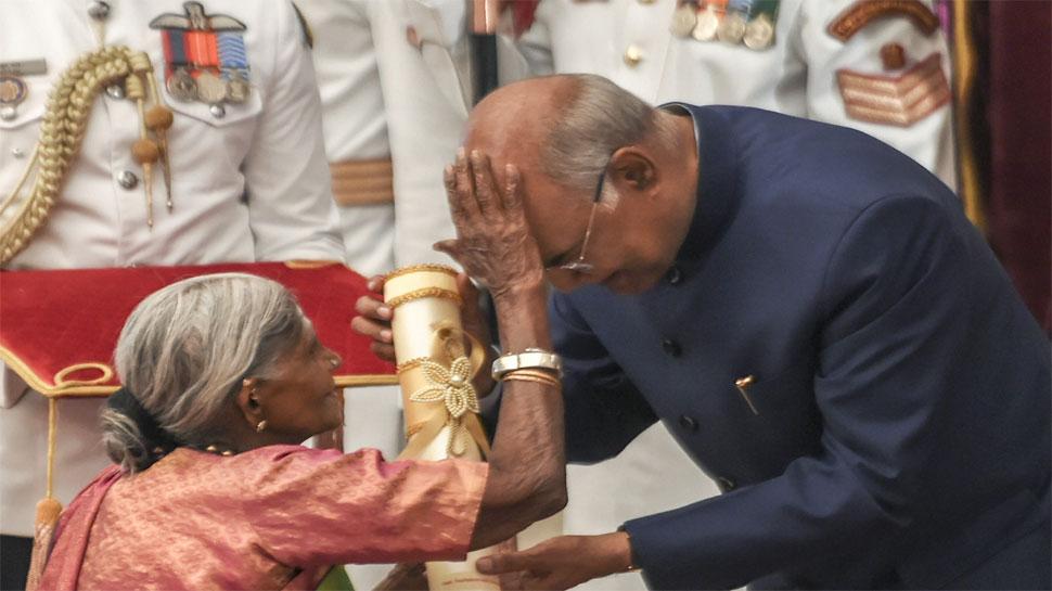 पद्म पुरस्कार समारोह: जब 'वृक्ष माता' ने दिया राष्ट्रपति रामनाथ कोविंद को आशीर्वाद