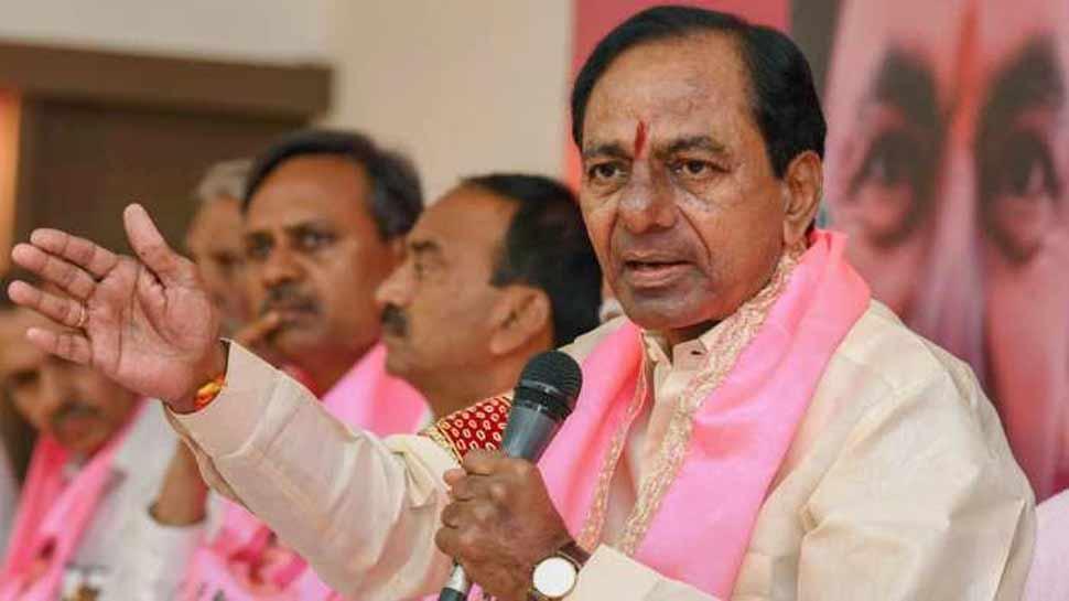 तेलंगाना: लोकसभा चुनाव से पहले कांग्रेस के छह विधायकों ने बदला पाला, टीआरएस में हुए शामिल