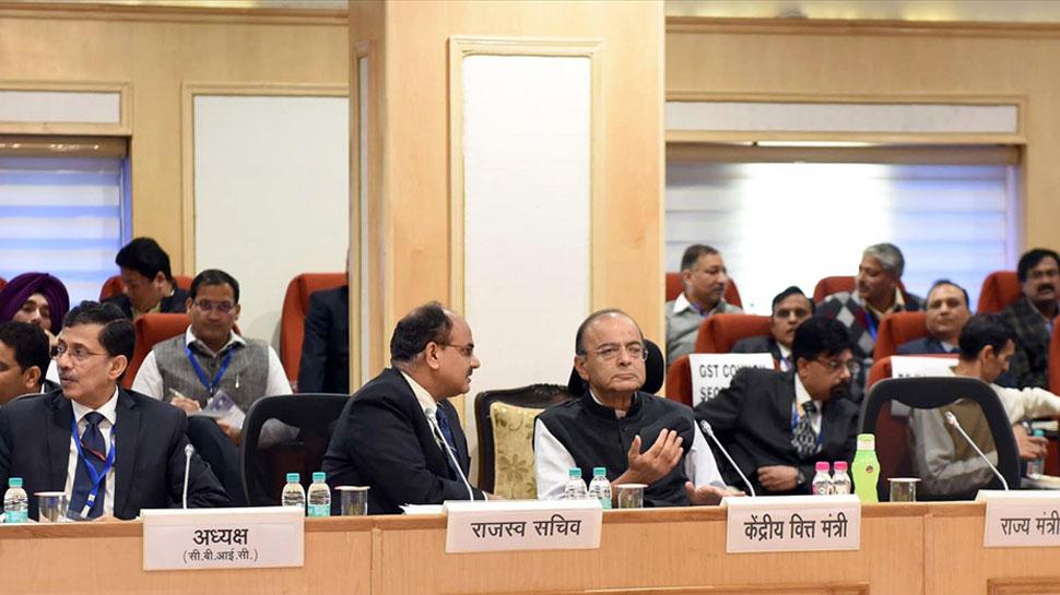 रीयल स्टेट में सस्ते दरों का फायदा देने को लेकर मंगलवार को GST काउंसिल की बैठक