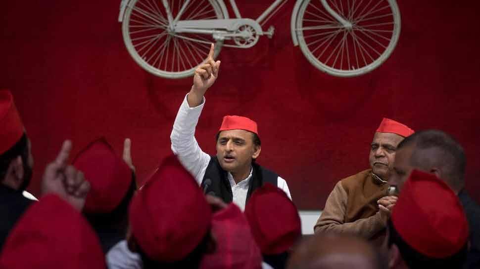 अखिलेश ने फिर साधा BJP पर निशाना, ट्वीट कर पूछा अब ये सवाल...