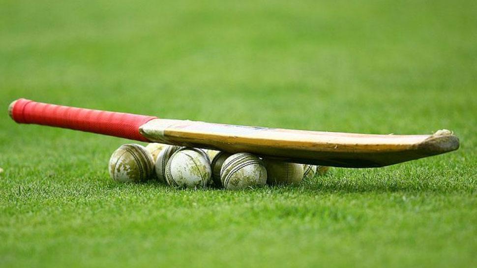 कोलकाता: बल्लेबाजी करके लौट रहा था क्रिकेटर, अचानक मैदान पर गिरा; मौत