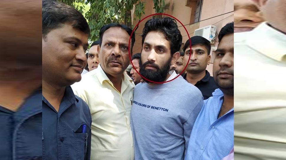 पुलवामा हमले का आरोपी जैश-ए-मोहम्मद का कमांडर दिल्ली में गिरफ्तार, इस भेष में पकड़ा गया