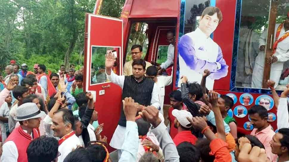बिहार की राजनीति में 'सन ऑफ मल्लाह' की क्यों हो रही इतनी पूछ?