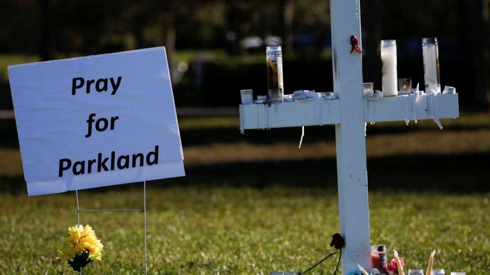 USA: 'पार्कलैंड स्कूल गोलीबारी' में बची किशोरी ने पछतावे में कर ली आत्महत्या