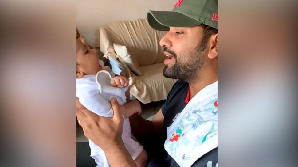 IPL मैच से पहले रोहित शर्मा ने बेटी को सुनाया 'असली हिप हॉप', वायरल हुआ ये VIDEO