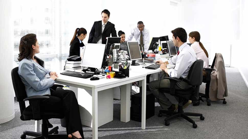 राशिफल 25 मार्च: वृष राशिवाले आज ऑफिस में रहें संभलकर, विवादों से भी बचना होगा