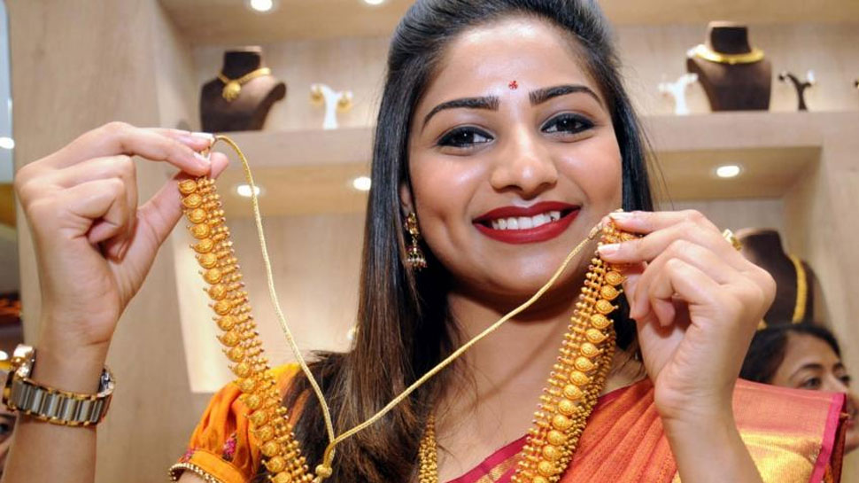 कारोबारियों की बढ़ती मांग से दिल्ली सर्राफा बाजार में सोना 170 रुपये महंगा हुआ
