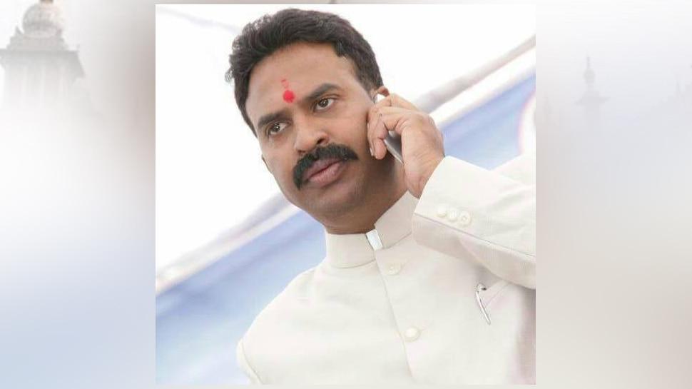 मुंबईः रणजीत सिंह नाईक निंबालकर ने छोड़ा कांग्रेस का साथ, भाजपा में हुए शामिल