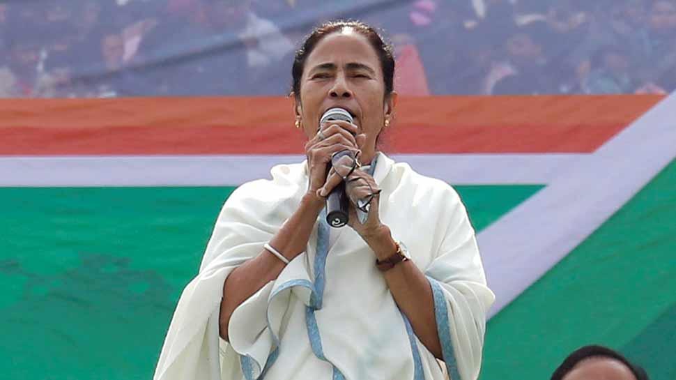 ममता बनर्जी बोलीं, 'BJP ने किया आडवाणी का अपमान, लेकिन वह भूल गए कि ओल्ड इज गोल्ड होता है'