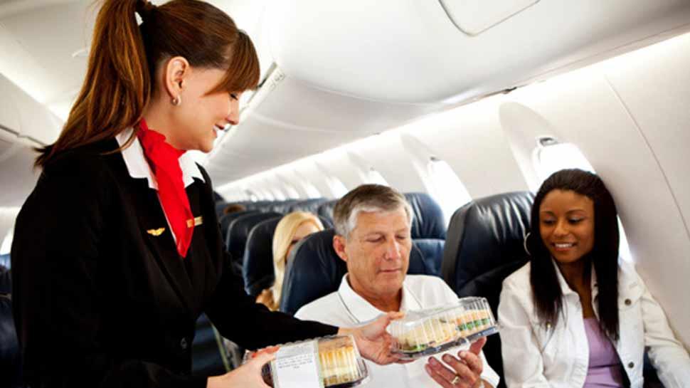 अब एयर इंडिया की फ्लाइट में मिलेगा जलजीरा और उपमा, 1 अप्रैल से होगी शुरुआत