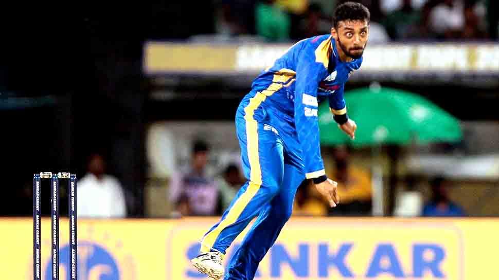 IPL 2019: 8.4 करोड़ के वरुण ने पहले ओवर में ही लुटाए 25 रन, सुनील नरेन ने लगाए 3 छक्के