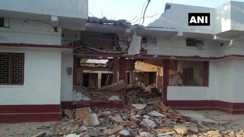 बिहार में नक्सलियों का तांडव, पूर्व MLC के घर को डायनामाइट से उड़ाया, गांव में पर्चे भी छोड़े