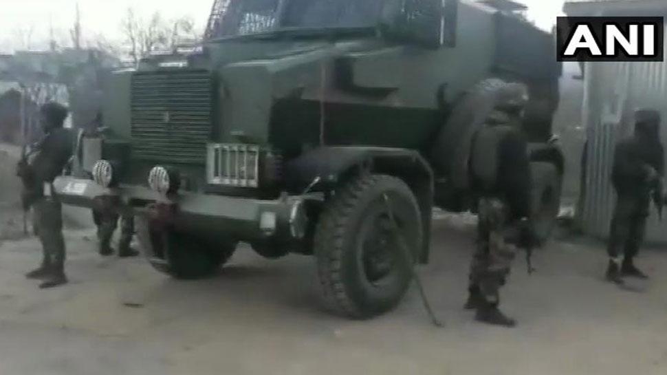 जम्मू-कश्मीर के शोपियां और हंदवाड़ा में एनकाउंटर में 4 आतंकी ढेर, सर्च ऑपरेशन जारी