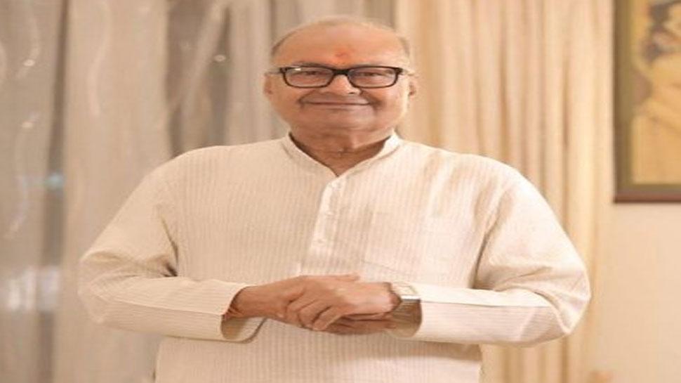 BJP नेता का विवादित बयान, 'दादाजी के कब्र पर जाने से प्रियंका को नहीं मिलते वोट'