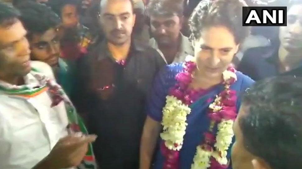 VIDEO: जब अमेठी में प्रियंका ने कार्यकर्ता से कहा 2022 की तैयारी करो