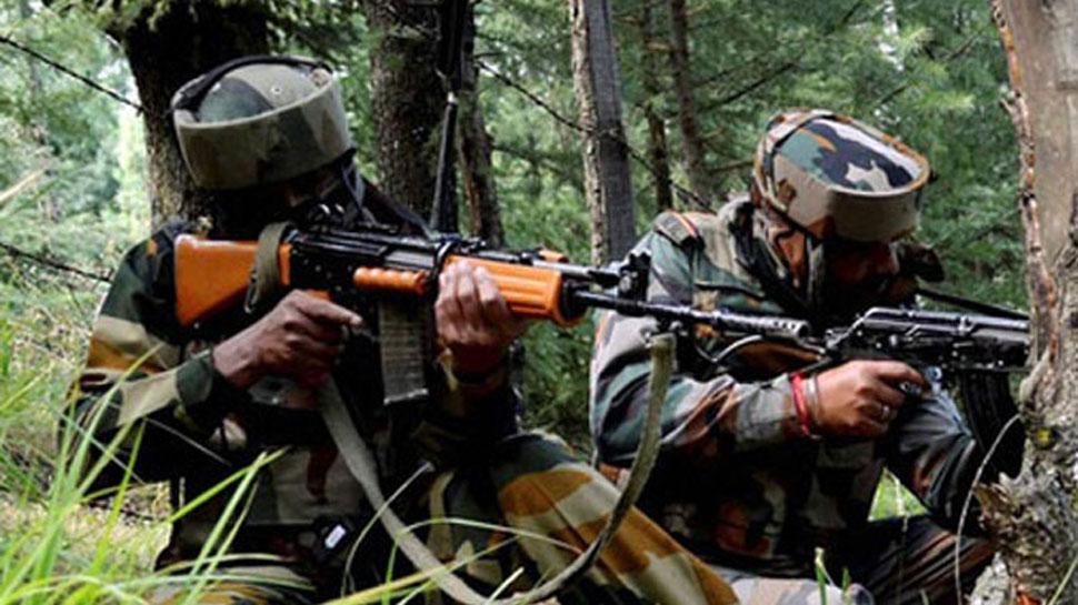 जम्मू-कश्मीर के अनंतनाग में सेना और आतंकियों के बीच मुठभेड़, रुक-रुककर जारी है फायरिंग