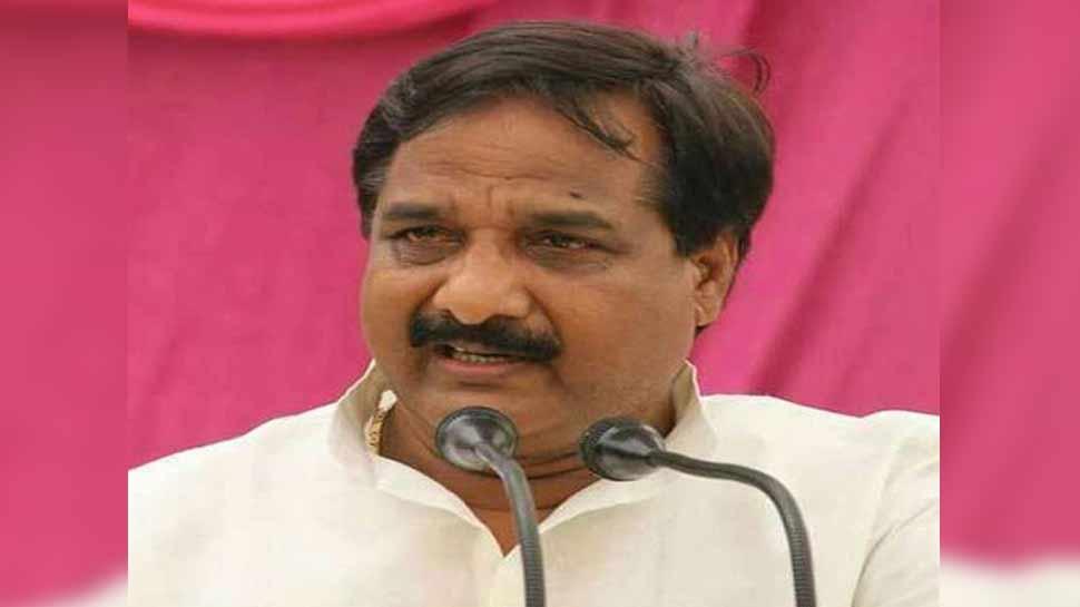 गोरखपुर से सपा प्रत्याशी का दावा, 'निषाद पार्टी ने BJP से पैसा लेकर गठबंधन छोड़ा'