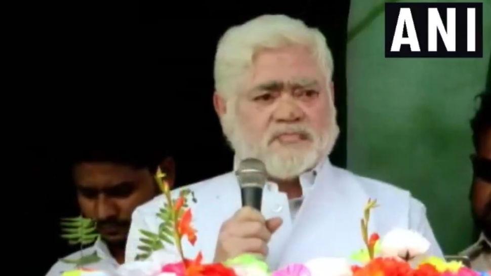 बिहार: RJD विधायक ने आतंकी मसूद अजहर को कहा 'साहब', मंच पर मौजूद थे तेजस्वी यादव