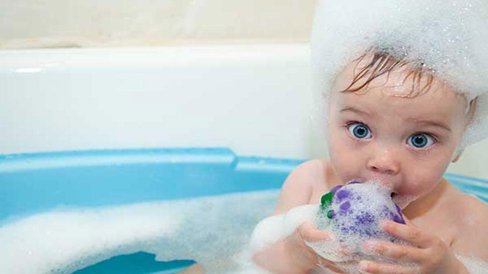 फिर से विवादों में Johnson and Johnson, 'बेबी केयर शैम्पू' से कैंसर का खतरा!