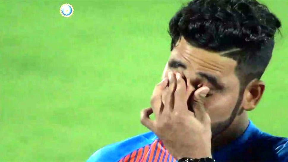 IPL-12: वो एक बॉल, जिसके कारण बॉलिंग से हटाए गए सिराज और रसेल ने पलट दी बाजी