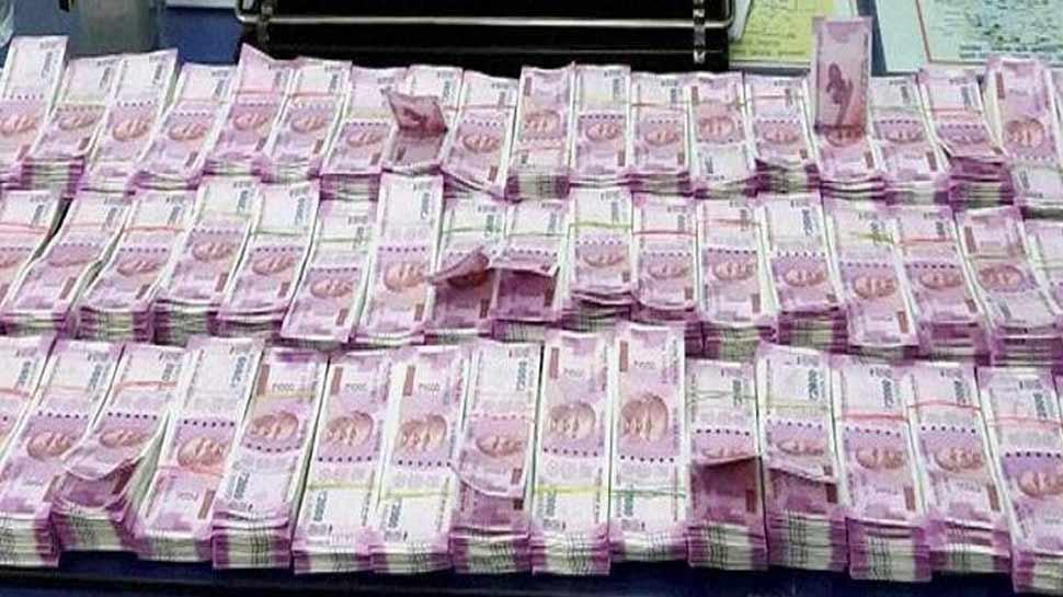वोटिंग से 2 दिन पहले एक बड़ी पार्टी के दफ्तर में जा रहे थे 8 करोड़ कैश, पुलिस ने खेल किया खराब