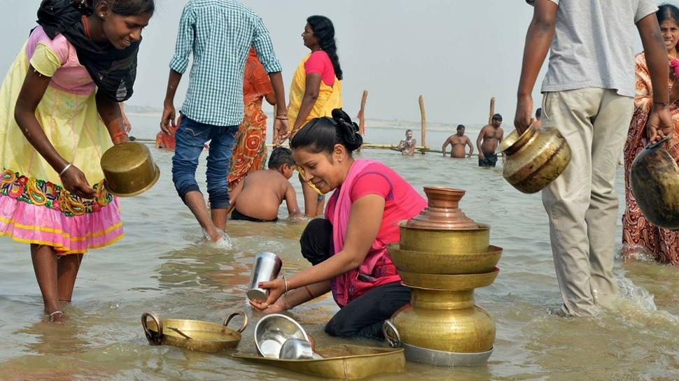 चैती छठ: नहाय खाय के बाद खरना आज, गंगा घाटों पर लगी लोगों की भीड़