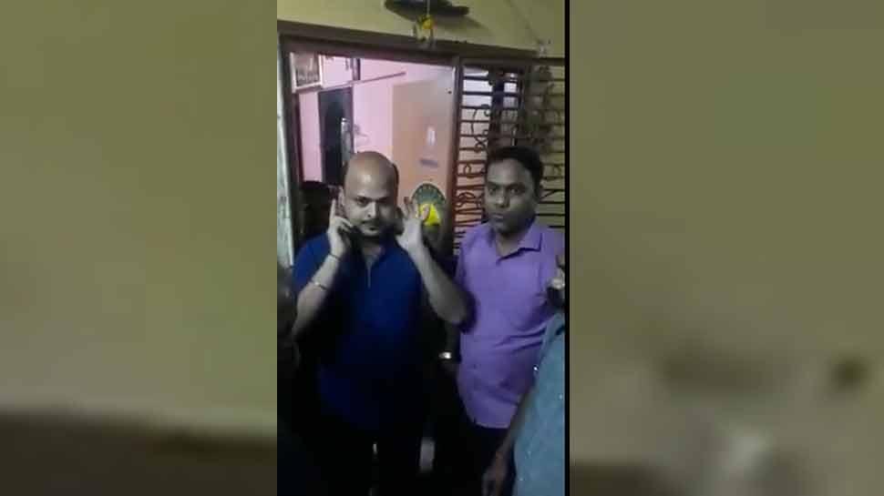 VIDEO: फेसबुक पर PM मोदी समर्थक को राज ठाकरे की बुराई करना पड़ा महंगा, हुई पिटाई