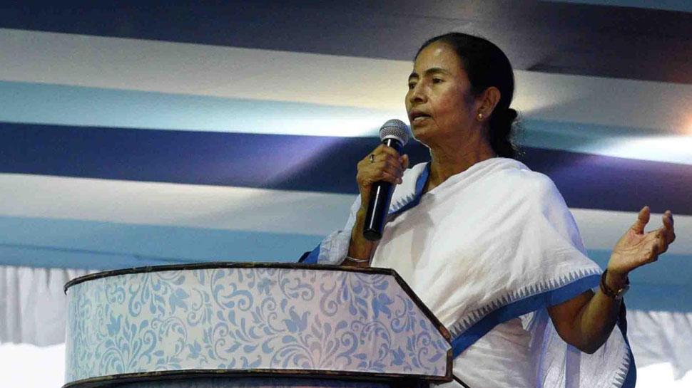 चुनाव प्रचार के दौरान ममता बनर्जी का हेलीकॉप्टर भटका रास्ता, जांच के आदेश