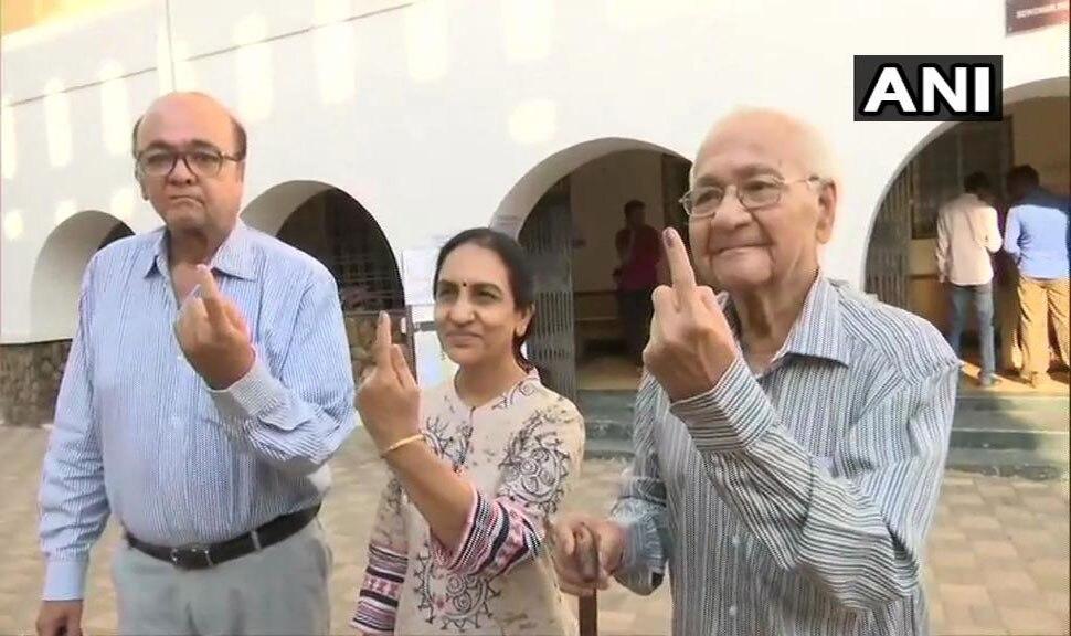 Lok sabha elections 2019 : Senior citizen voting at Polling both-9