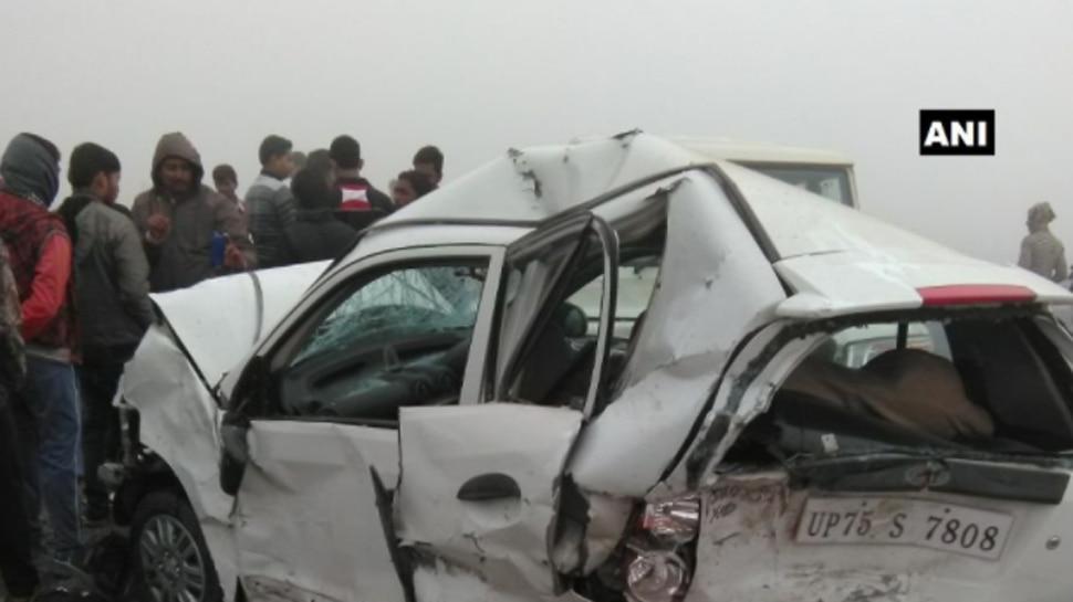 आगरा-लखनऊ एक्सप्रेस-वे पर फिर भीषण सड़क हादसा, कार-ट्रक में भिड़ंत, 8 लोगों की मौत