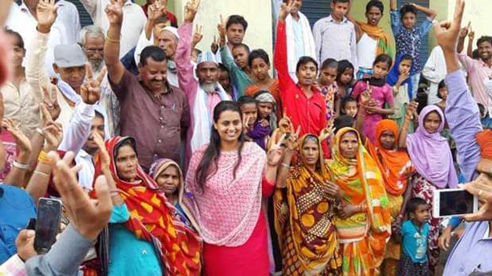 बांका की विरासत संभालने में जुटी अंतर्राष्ट्रीय शूटर श्रेयसी सिंह, मां के लिए मांग रही हैं वोट